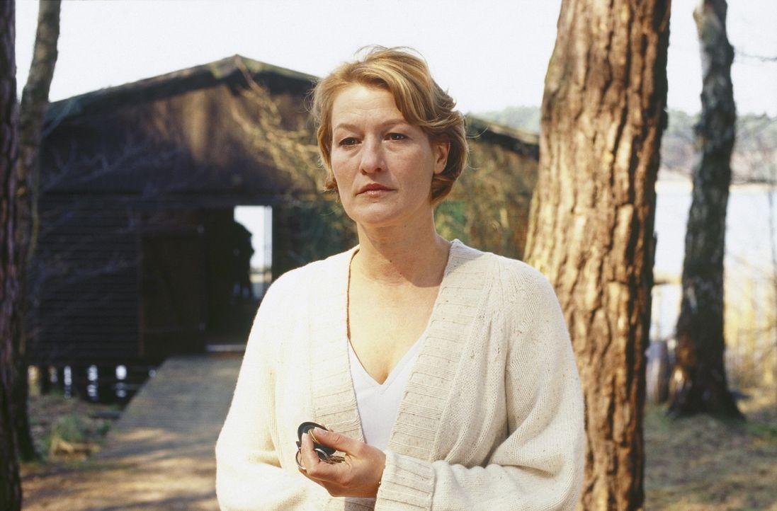Ellen (Suzanne von Borsody) ist Psychologin, Spezialistin für Serien-Triebtäter, die über dieses Thema auch ein Buch veröffentlicht hat. Sie ist... - Bildquelle: Norbert Kuhroeber Sat.1
