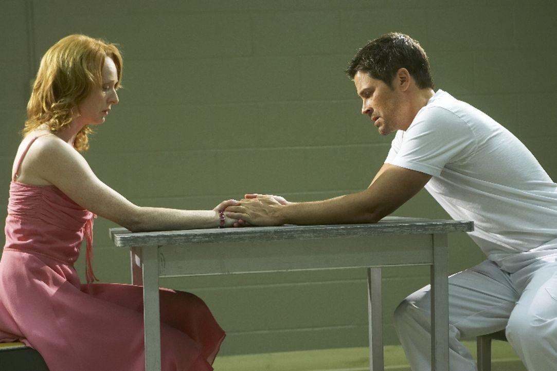 Als Ted Cogan (Rob Lowe, r.) aus dem Krieg zurückkehrt, hofft seine Frau Molly (Marnie McPhail, l.), wieder ein Leben ohne Angst führen zu können. D...