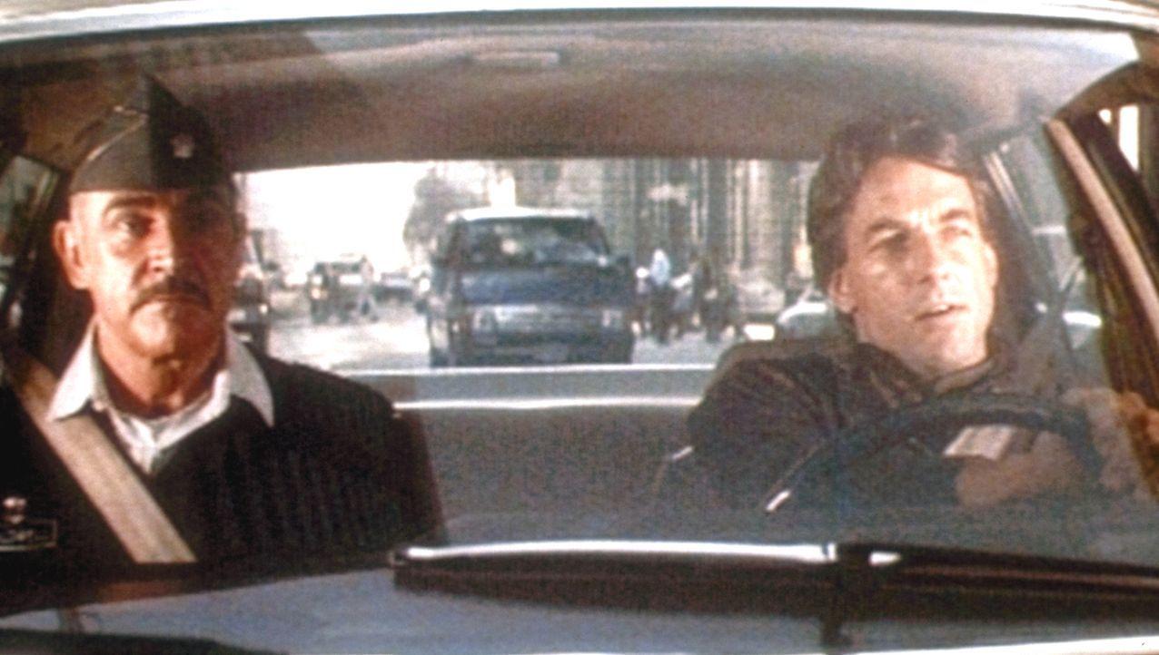 Nachdem ein Mord in der Army-Base Presidio geschieht, wird Leutnant Colonel Alan Caldwell (Sean Connery, l.) dazu verdonnert, mit dem Kollegen von d... - Bildquelle: Paramount Pictures