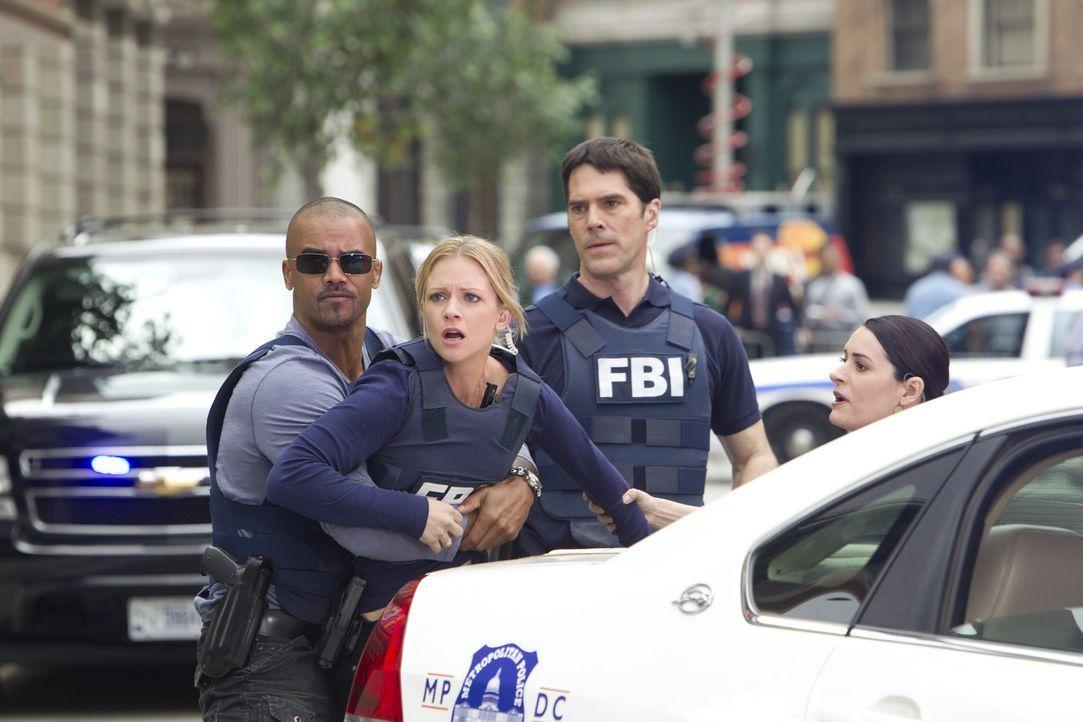 Ein Banküberfall, wird für Team zu einem Horroreinsatz: Morgan, JJ, Prentiss und Hotch... - Bildquelle: ABC Studios