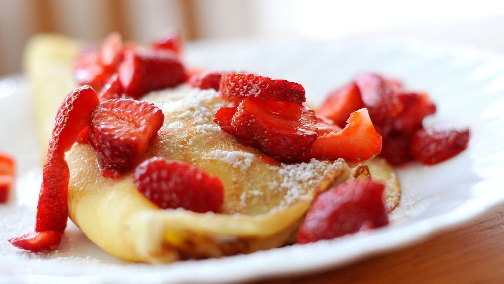 Pfannkuchen mit Vanilleeis, Erdbeeren und Schokosoße - Bildquelle: Pixabay