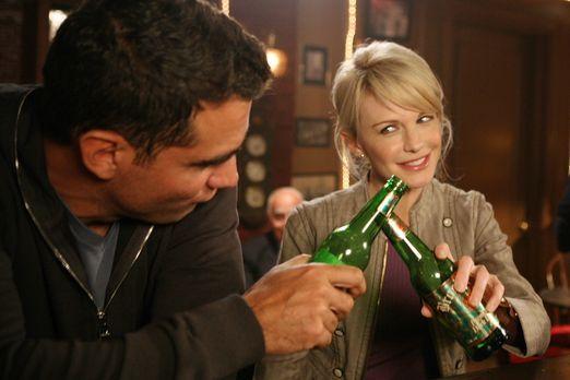 Cold Case - Bahnt sich zwischen Eddie (Bobby Cannavale, l.) und Lilly (Kathry...