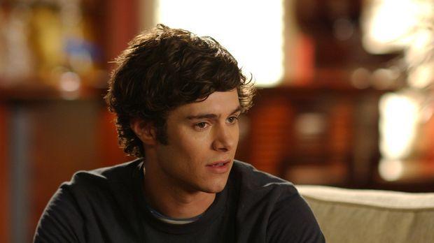Seth (Adam Brody) bittet Ryan, Sandy und Kirsten nicht zu verraten, dass er d...