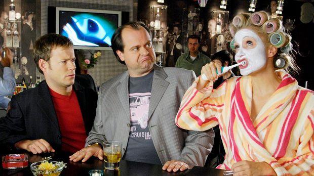 Die Comedy WG geht auf die Rolle. Mathias (Mathias Schlung, l.) und Markus (M...