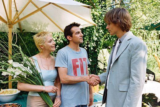 Eine außergewöhnliche Affäre - Auf ihrem Gartenfest begrüßt das Lehrerpaar We...
