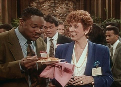 Bill Cosby Show - Theo (Malcolm-Jamal Warner, l.) hat sich bei einem Bewerbun...