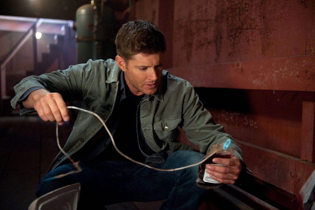 Weiß Dean (Jensen Ackles) wirklich, worauf er sich einlässt, als er Benny zu Hilfe kommt? - Bildquelle: Warner Bros. Television
