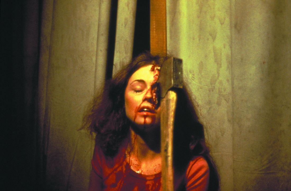 Auch Brenda (Laurie Bartram) wird Opfer des grausamen Serienkillers ... - Bildquelle: 1980 Warner Brothers International Television Distribution Inc.