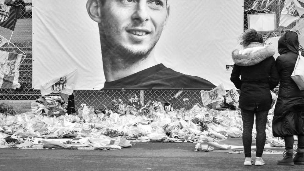 Geschacher um die Ablöse für getöteten Sala geht weiter - Bildquelle: AFPSID-LOIC VENANCE