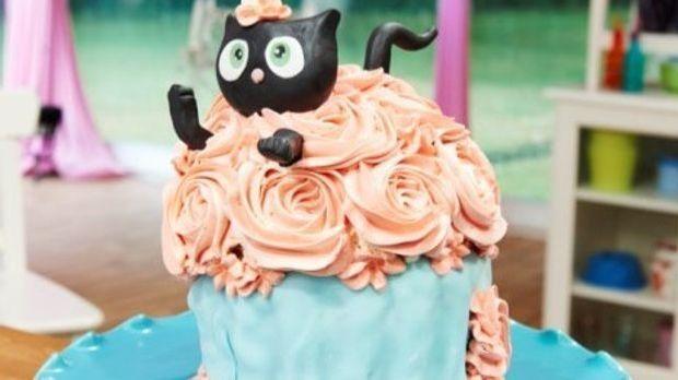 "Meine gebackene Visitenkarte- Danielas ""Kitten meets Giant Cupcake"""