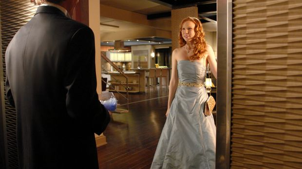 Owen (Drew Osborne, l.) ist begeistert von Alexis (Molly C. Quinn, r.), die i...