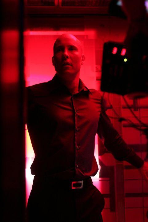 Nach einem qualvollen Kampf wird Zod endlich aus Lex' (Michael Rosenbaum) Körper entfernt. Letzterer fühlt sich schuldig, für all den Schaden, der a... - Bildquelle: Warner Bros.