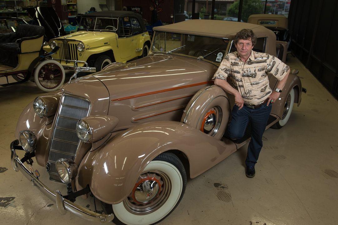 """In der Werkstatt """"The Guild of Automotive Restorers"""" finden sich allerhand Prachtstücke auf vier Rädern, die David Grainger (Bild) und sein Team mit... - Bildquelle: Joe Wiecha"""