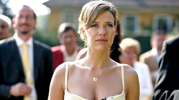 Esther Nentwig (Alexandra Neldel), die uneheliche Tochter von Gabriel Fischer...