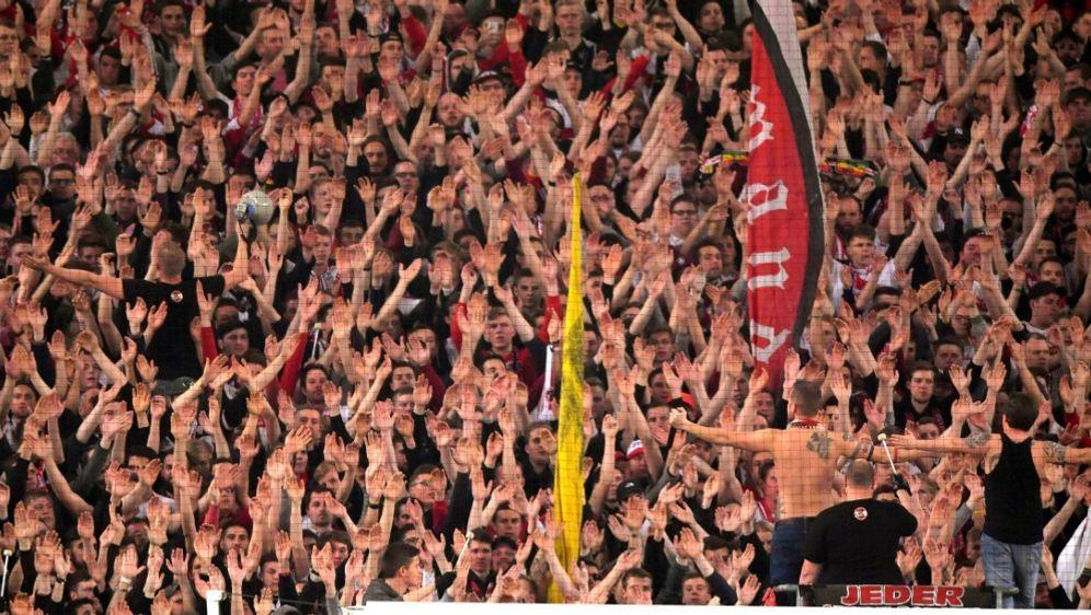 Bundesliga mit zweithöchstem Zuschauerschnitt - Bildquelle: PIXATHLONPIXATHLONSIDBernd FeilM.i.S.