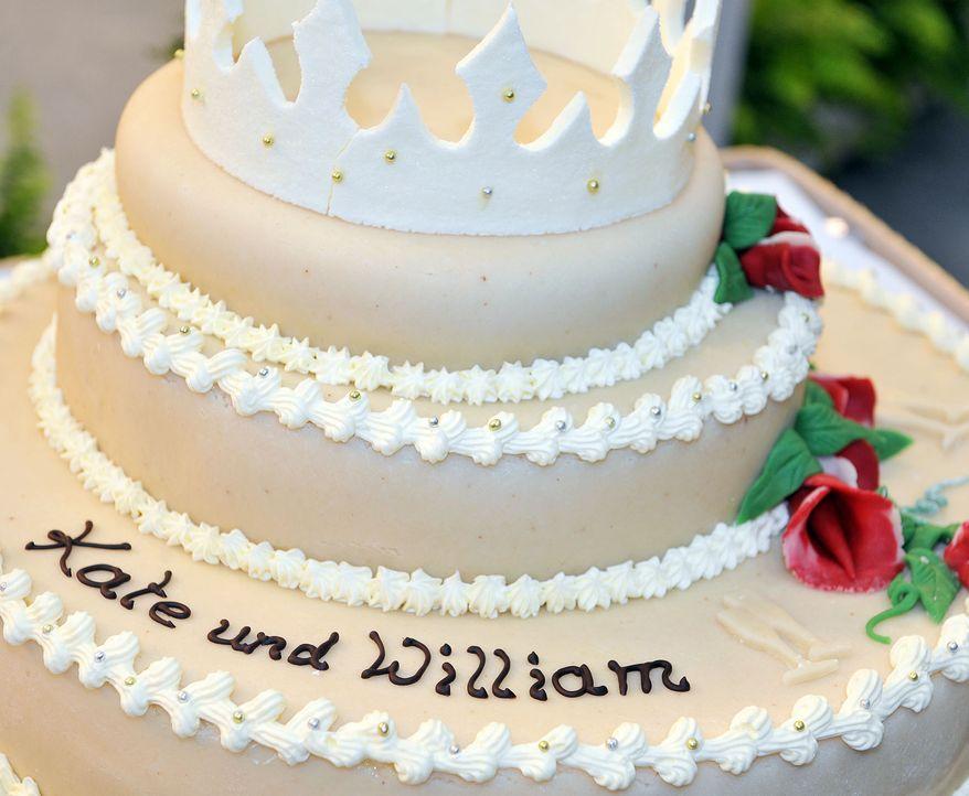 Hochzeitstorte-Vermaehlung-William-Kate-dpa - Bildquelle: dpa