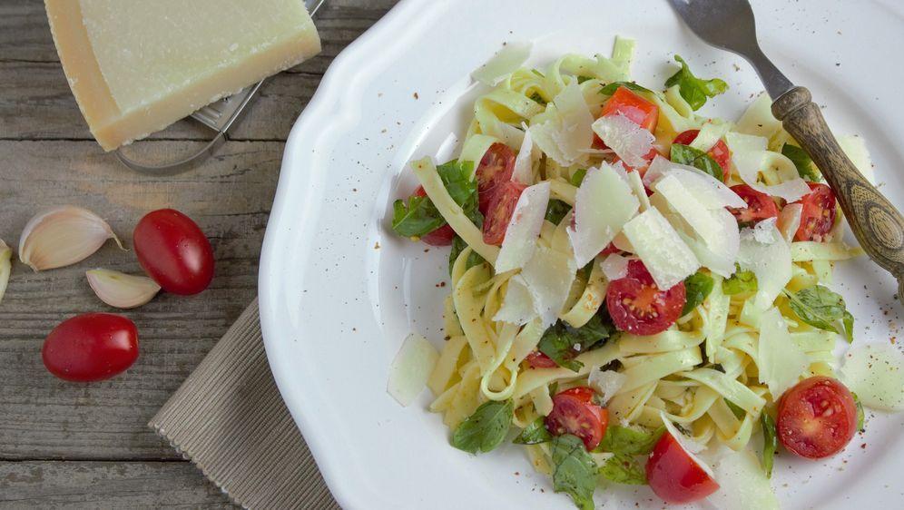Pasta mit Tomate-Basilikum
