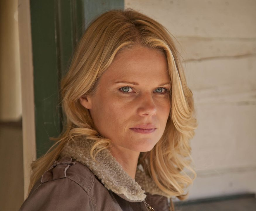 Der Feind kommt direkt auf sie zu: Kann sich Ava Crowder (Joelle Carter) rechtzeitig in Sicherheit bringen?
