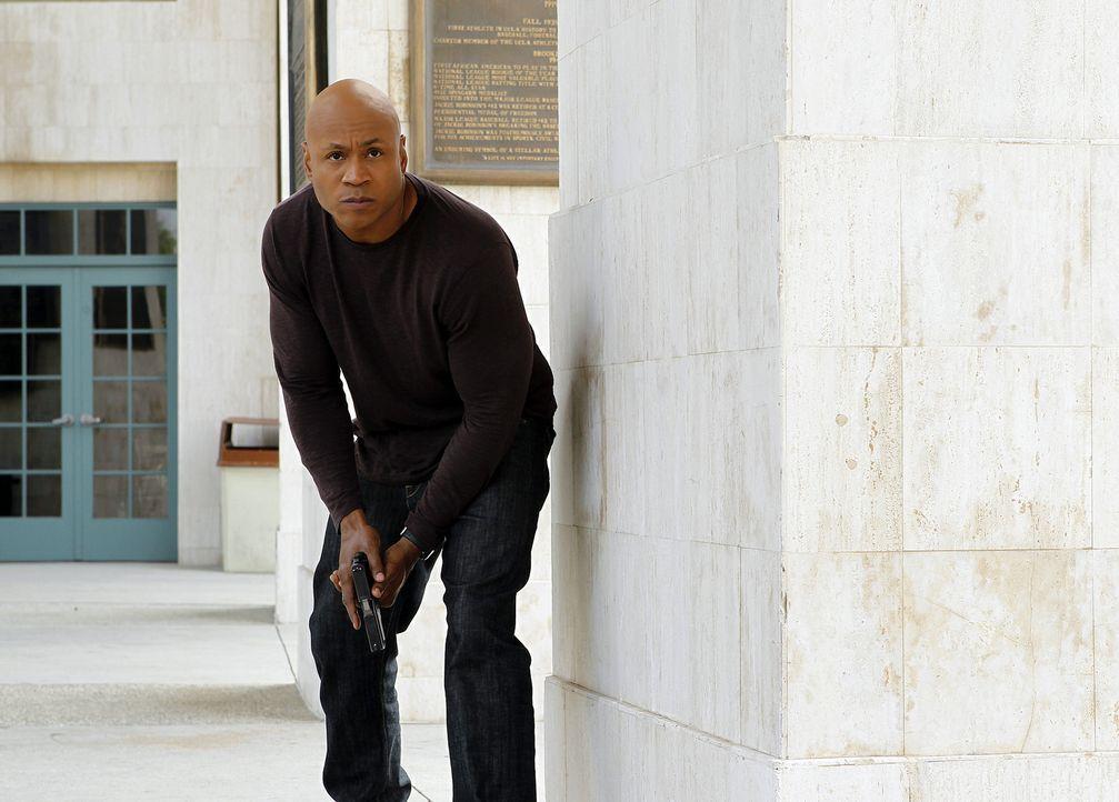 Einem Täter auf der Spur: Special Agent Sam Hanna (LL Cool J) ... - Bildquelle: CBS Studios Inc. All Rights Reserved.