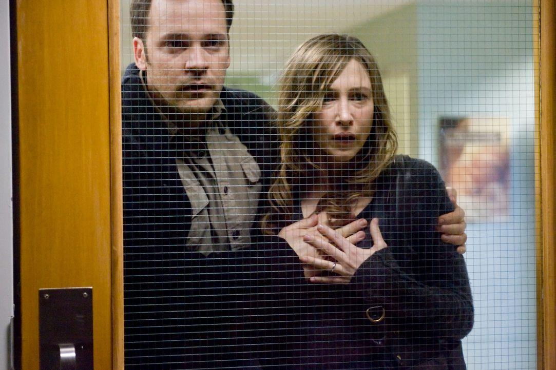 Kate (Vera Farmiga, r.) und John (Peter Sarsgaard, l.) müssen erleben, dass ihr Wunsch nach der perfekten Familie in einem perfekten Alptraum endet... - Bildquelle: Kinowelt