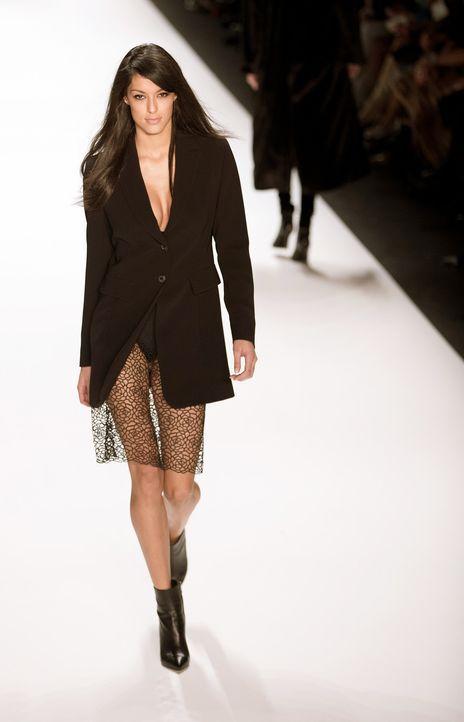 Fashion-Week-Berlin-Rebecca-Mir-14-01-14-2-dpa - Bildquelle: dpa
