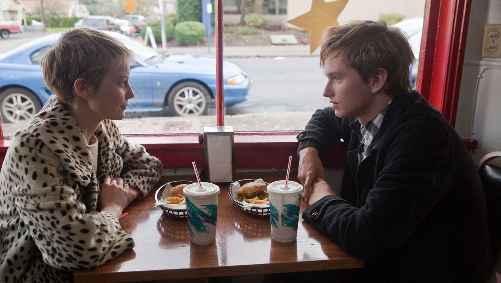 Restless - Nur mit Dir - Bildquelle: Scott Green 2011 Columbia Pictures Industries, Inc. All Rights Reserved.