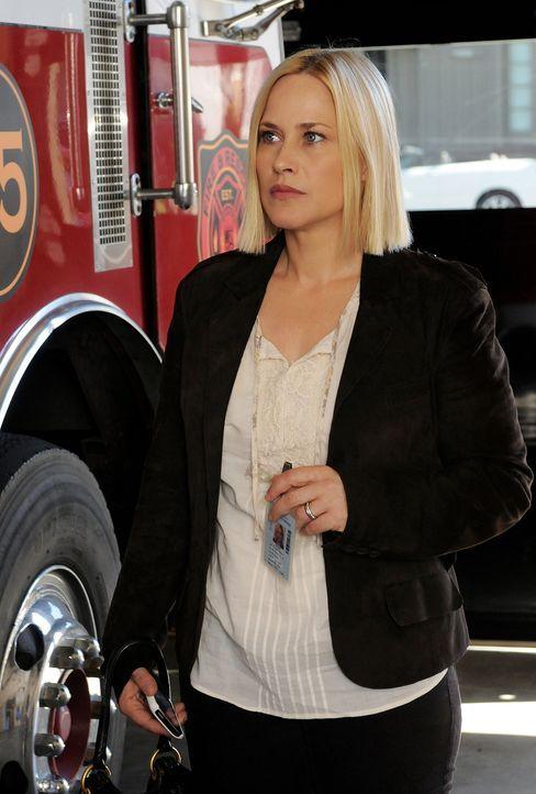 Immer wieder träumt Allison (Patricia Arquette) von einem Mädchen, das bei einem Brand stirbt. Doch sie kann einfach nicht einordnen, wo das Unheil... - Bildquelle: Michael Yarish 2010 CBS BROADCASTING INC. All Rights Reserved.
