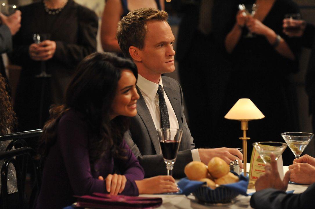 Hat ihre Beziehung noch eine Chance? Barney (Neil Patrick Harris, r.) und Nora (Nazanin Boniadi, l.) ... - Bildquelle: 20th Century Fox International Television