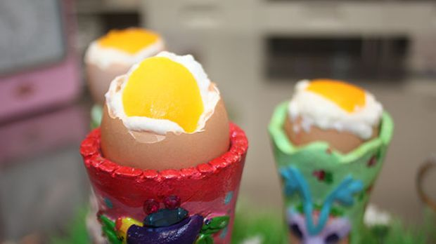 Enie backt: Exklusiv das Eis im Ei