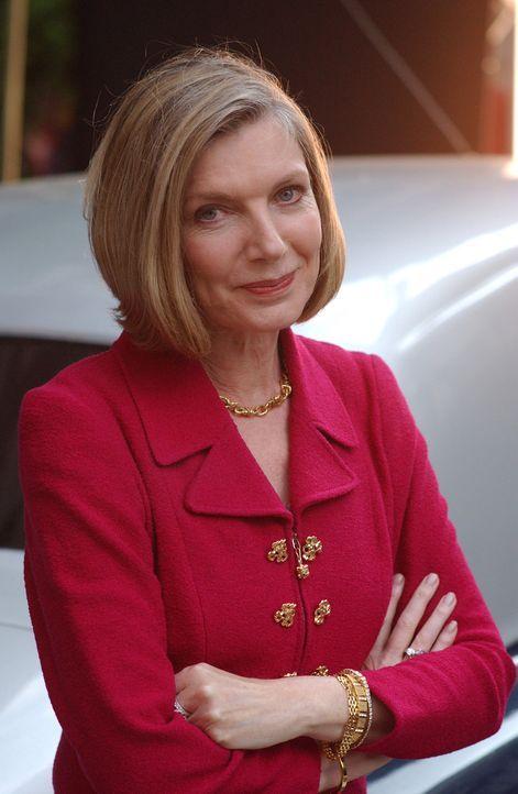 In Gestalt einer reichen Frau (Susan Sullivan) tritt Gott an Joan heran ... - Bildquelle: Sony Pictures Television