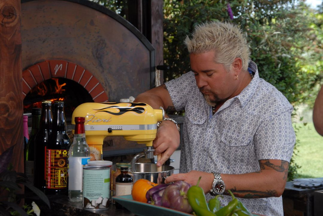 Schon im Alter von 10 Jahren entdeckte Guy Fieri seine Leidenschaft am Kochen. Diese hält bis heute an ... - Bildquelle: 2012, Television Food Network, G.P. All Rights Reserved.