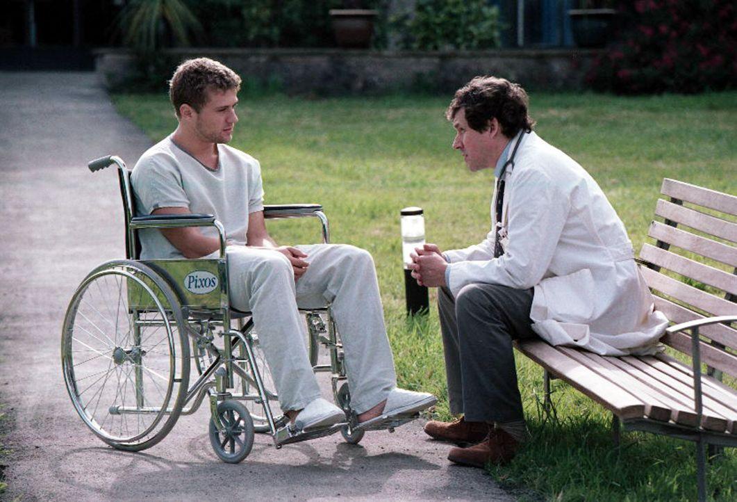29. Juli 2002: Der junge Simon Cable (Ryan Phillippe, l.) wacht eines Tages in einem Krankenhaus auf und weiß nicht, was mit ihm in den letzten zwe... - Bildquelle: Miramax Films