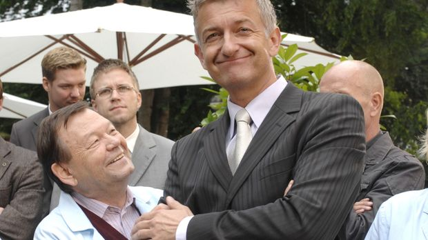 Pit (Dominic Raacke, r.) sieht sich schon als Nachfolger des scheidenden Gesc...