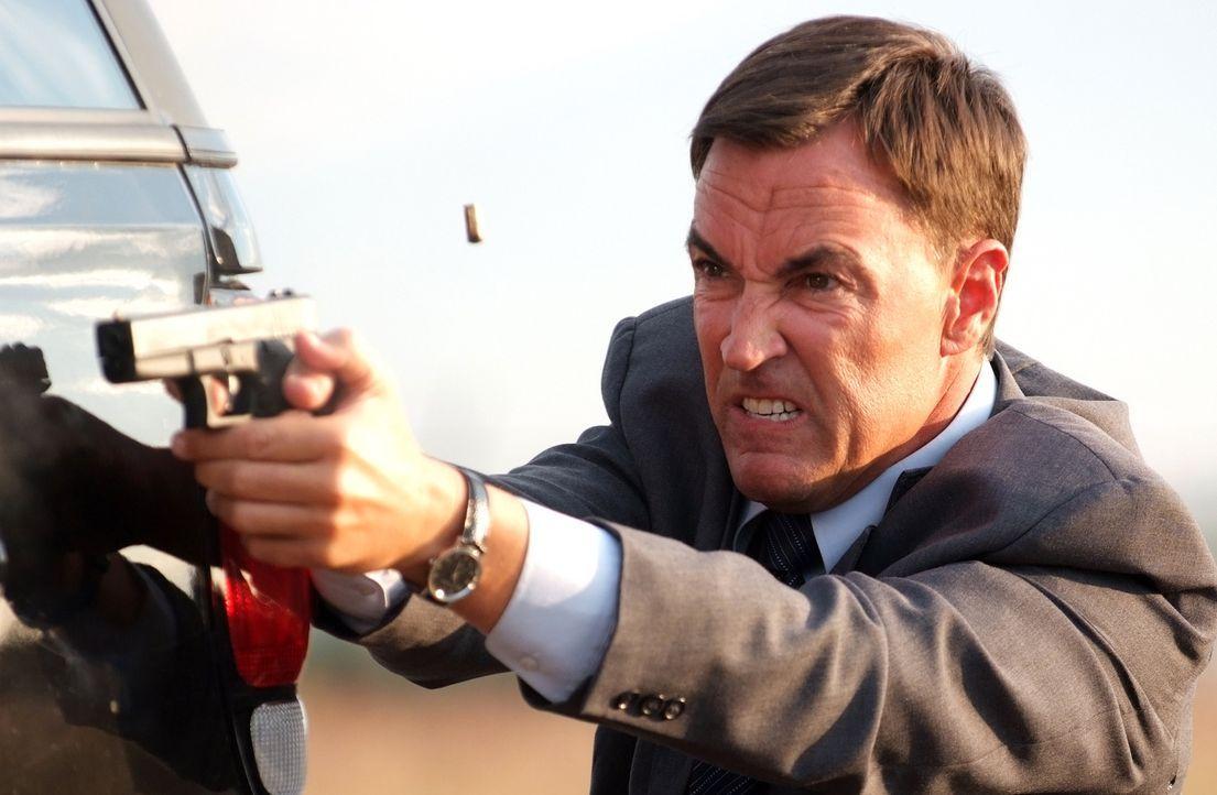 Agent Fletcher (Todd Jensen) liegt nicht unbedingt das Wohl der Menschheit am Herzen ... - Bildquelle: MOBICOM HOLDINGS, S.A.