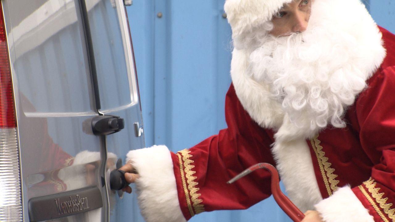 Wer-glaubt-schon-an-den-Weihnachtsmann24 - Bildquelle: SAT.1
