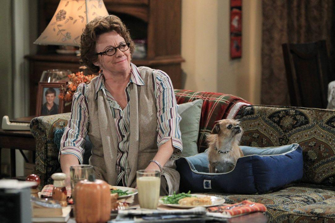 Mike ist baff, als er sieht, wie sehr seine unleidliche Mutter (Rondi Reed) durch den Kontakt zu Murphy aufblüht ... - Bildquelle: Warner Brothers