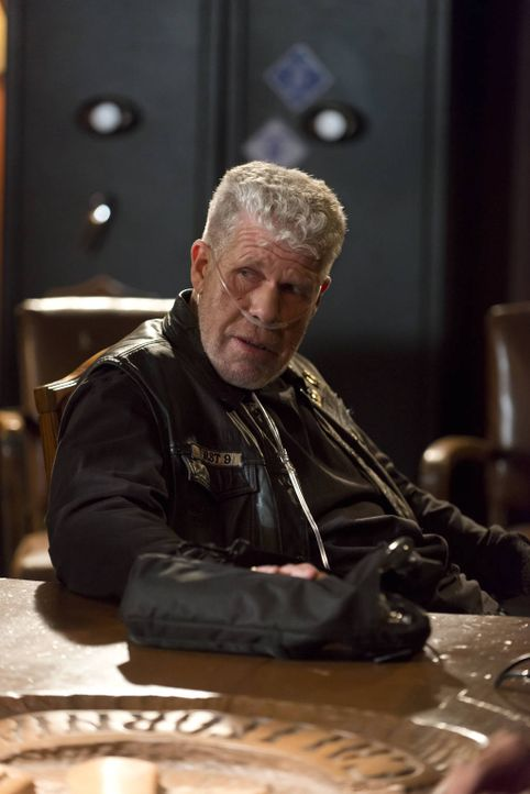 Clay (Ron Perlman) wird seine Position bei den Sons nicht kampflos aufgeben ... - Bildquelle: 2012 Twentieth Century Fox Film Corporation and Bluebush Productions, LLC. All rights reserved.