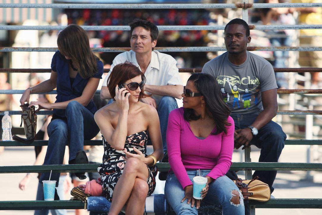 Werden mit einem Gefühlschaos konfrontiert: Addison (Kate Walsh, l.) und Naomi (Audra McDonald, r.) ... - Bildquelle: ABC Studios