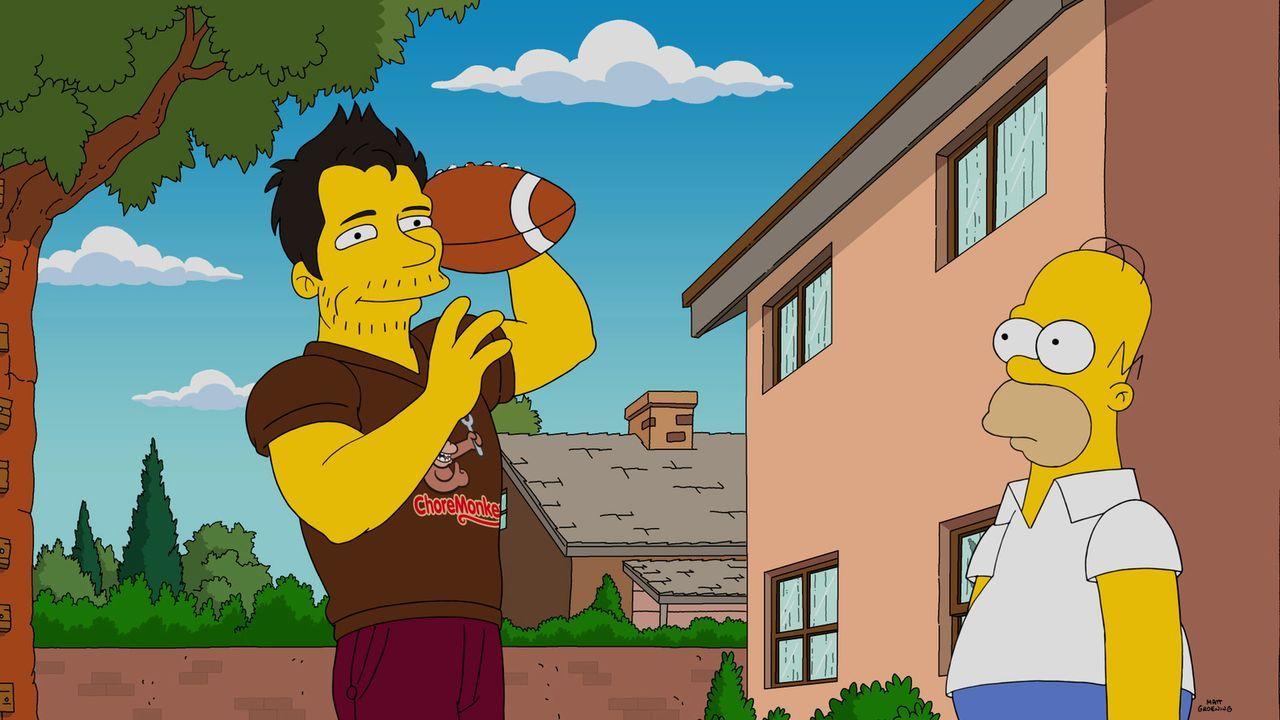 Für Homer (r.) scheint, die App ChoreMonkey die Lösung all seiner Probleme zu sein. Die Arbeiter (l.) tauchen immer auf, wenn man sie braucht und üb... - Bildquelle: 2016-2017 Fox and its related entities. All rights reserved.