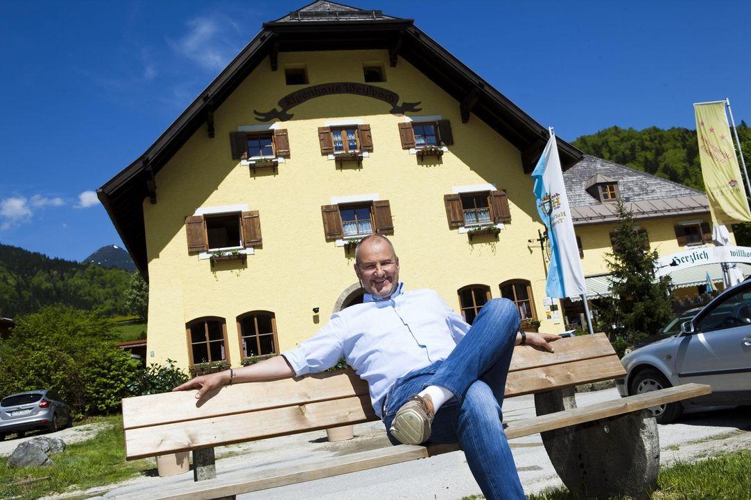 Ein Hilferuf erreicht Frank Rosin aus Weißbach im Berchtesgadener Land. Für den Sternekoch eine Premiere: Diesmal gilt es nicht nur ein Restaurant,... - Bildquelle: kabel eins