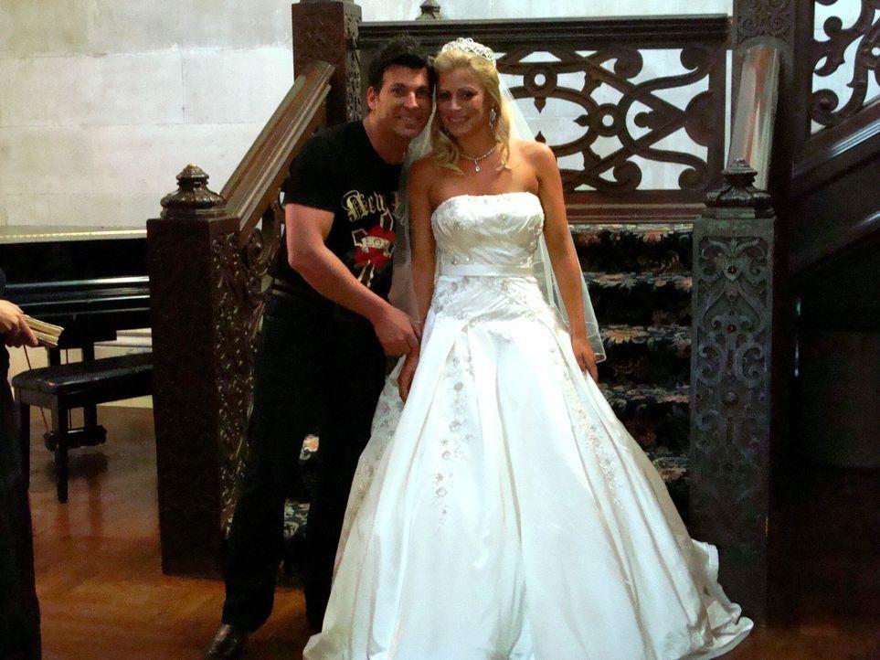 Braut Jennifer träumt seit ihrer Kindheit davon, bei ihrer Hochzeit wie eine... - Bildquelle: Pilgrim Studios 2009