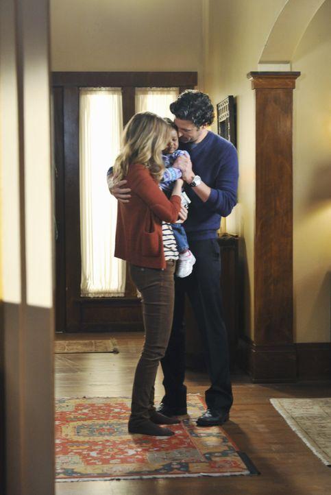 Sind überglücklich endlich ihre Tochter Zola in die Arme schließen zu können: Meredith (Ellen Pompeo, l.) und Derek (Patrick Dempsey, r.) ... - Bildquelle: ABC Studios