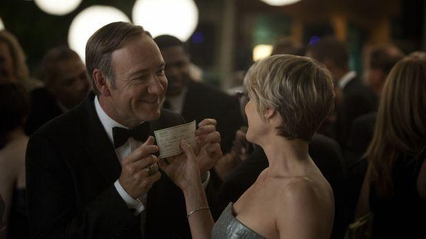 Die Rechnung für Underwoods (Kevin Spacey, l.) Intrigen muss schon bald seine...