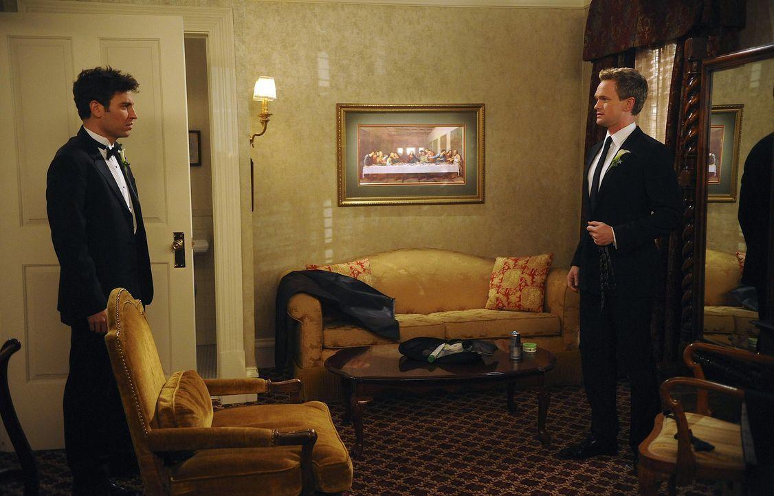 Neu ist immer besser: Barney (Neil Patrick Harris, r.) und Ted (Josh Radnor, l.) ... - Bildquelle: 20th Century Fox International Television