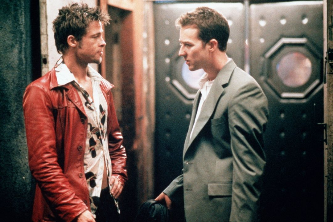 Unschlagbar: Trotz ihrer unterschiedlichen Charaktere erobern Jack (Edward Norton, r.) und Tyler (Brad Pitt, l.) zusammen die Welt ... - Bildquelle: 20th Century Fox