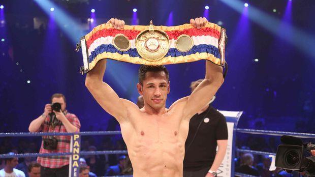 Wenn WBA-Weltmeister Felix Sturm (Foto) gegen IBF-Champion Daniel Geale in de...