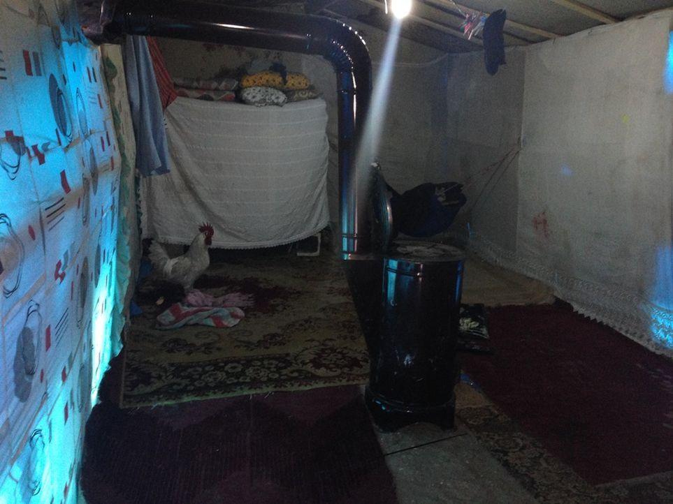 Zelt im Unorganisierten Fl++chtlingslager