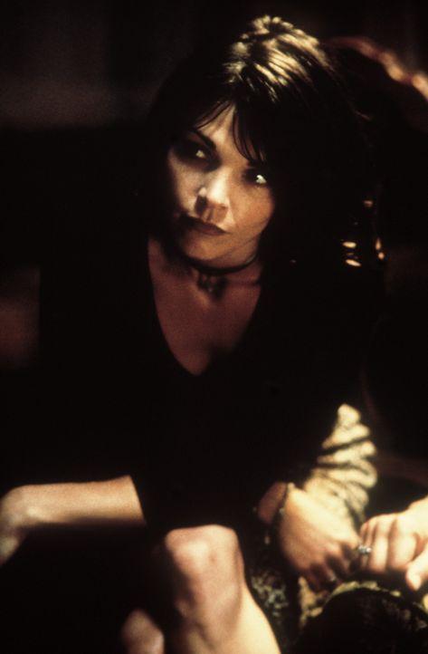 Nach einer scheinbar harmlosen Hypnose gerät das Leben der attraktiven Maggie (Kathryn Erbe) total durcheinander ... - Bildquelle: 20th Century Fox