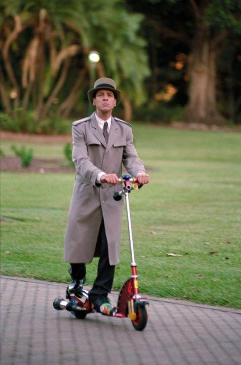 Motorisiert auf Verbrecherjagd: Inspector Gadget (French Stewart) ... - Bildquelle: Walt Disney Pictures