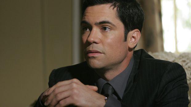 Nicht nur ein neuer Fall, sonder auch sein Bruder bereitet Scott (Danny Pino)...
